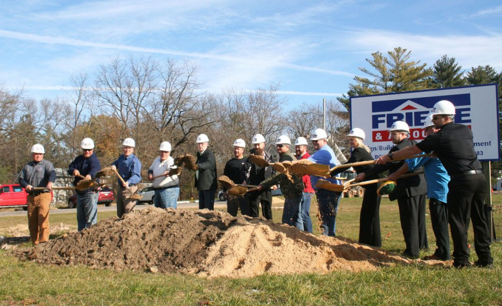 HuHot Groundbreaking, Photo Credit: Wisconsin Dells Events