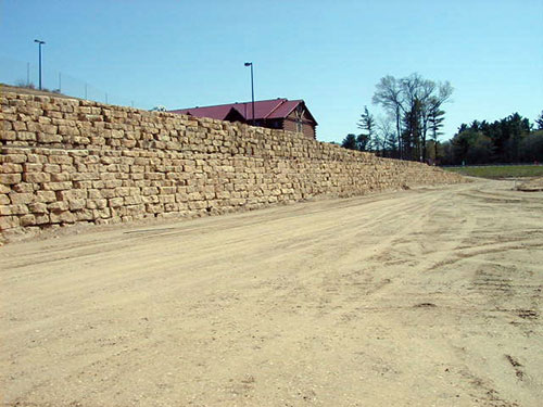 Dells Outlets Bi-Level Retaining Wall Construction